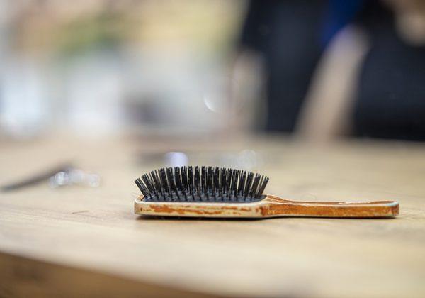 איך תזונה קשורה לנשירת שיער? מדריך מיוחד!